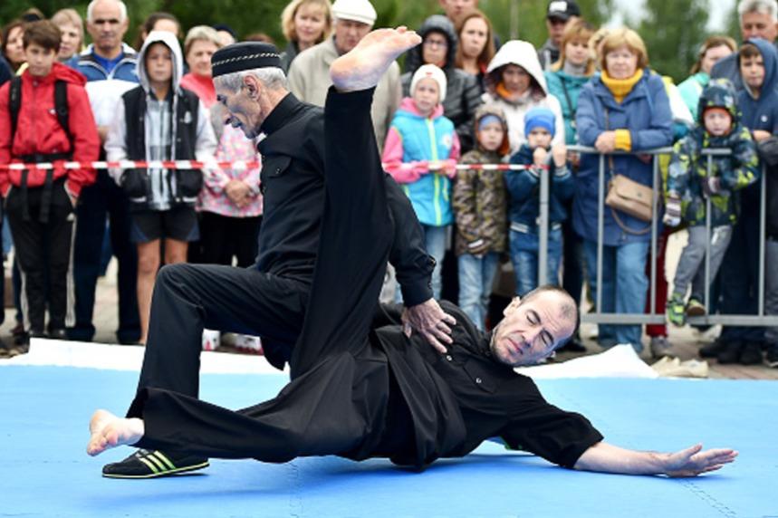 На фестивале национальных неолимпийских видов спорта представили...