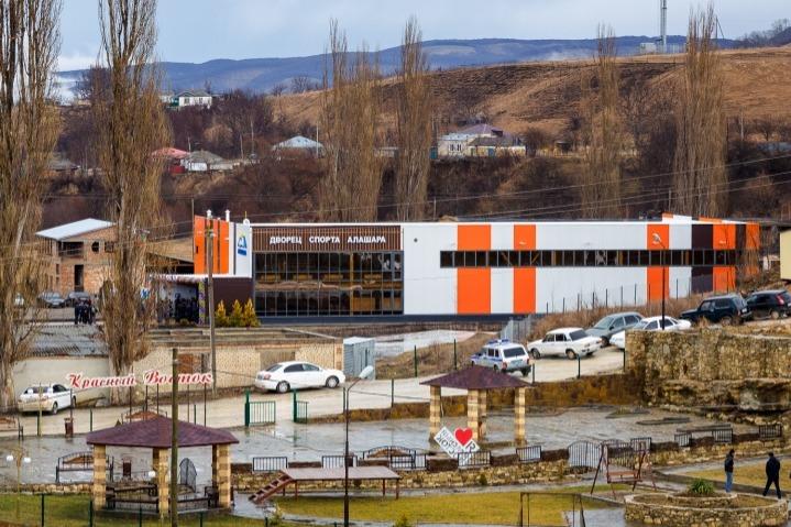 В одном из сел Карачаево-Черкесии открыли многофункциональный спорткомплекс