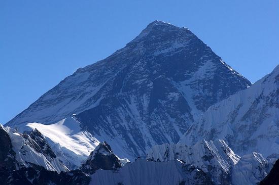 Дагестанец Рашид Гаджиясулов покорил Эверест