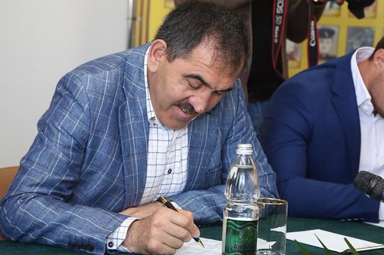 Юнус-Бек Евкуров написал этнографический диктант