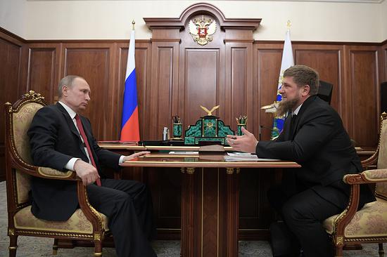 Кадыров навстрече сПутиным объявил , что вЧечне непреследуют геев