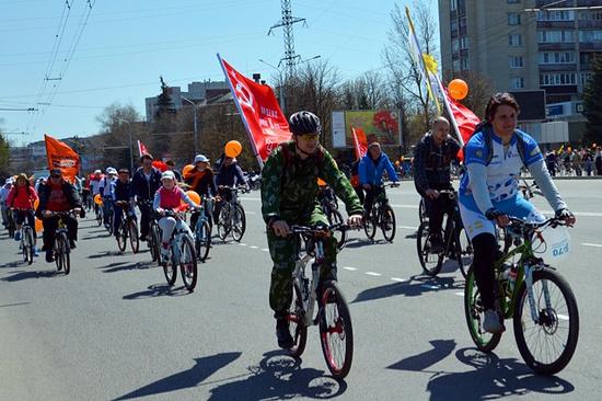 Две тысячи велосипедистов вместе смэром Ставрополя проехали в«Веломарше Победы»