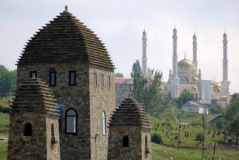 ЧЕЧНЯ.  Чеченский тайп важнее паспорта?